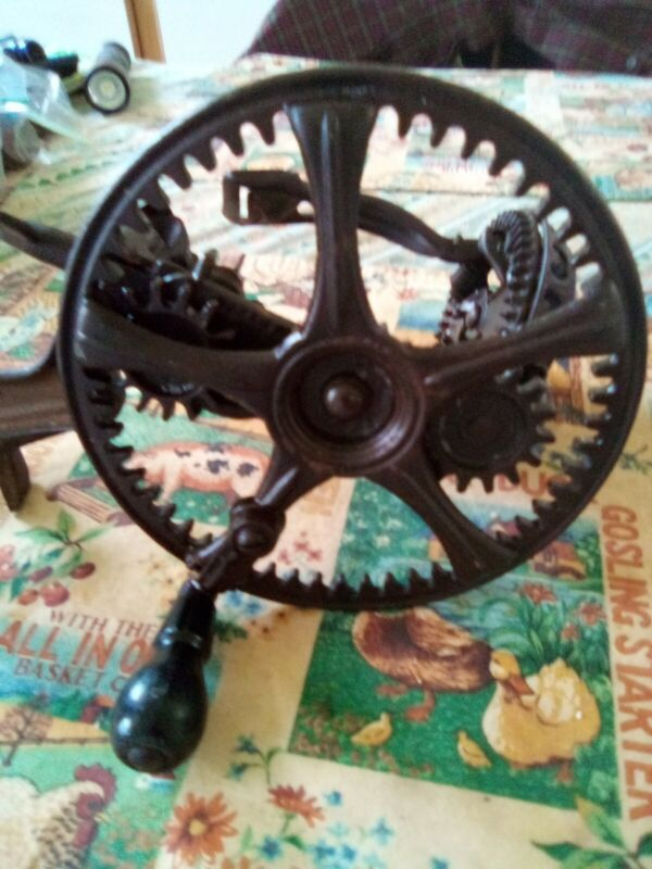 ANTIQUE CAST IRON APPLE PEELER 1878 READING HARDWARE CO READING PA MADE IN USA