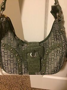 Trendy green handbag
