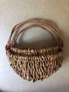Rustic wall baskets