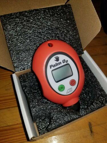 Palm 02 oxygen analyzer for SCUBA Nitrox Diving