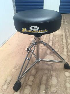 Pearl Drum Throne **GREAT CONDITION**