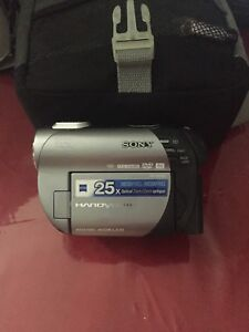 Sony handicam in great condition. DVDs used in this unit