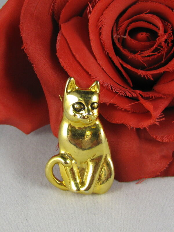 Adorable Gold Tone Kitty Cat Pin Brooch  CAT RESCUE