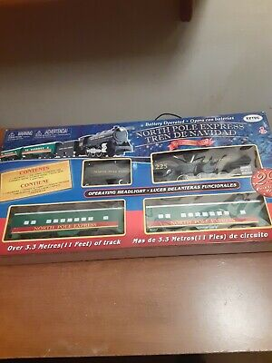North Pole Express Train Set Tren De Navidad 29 PC Christmas Railroad Brand New