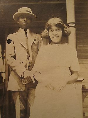 1920s AFRICAN AMERICAN BUFFALO NY BOATER HAT SHARP FASHION YOUNG MAN LADY PHOTO