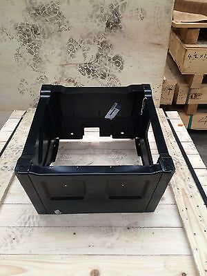 SINGLE MERCEDES SPRINTER OR VW CRAFTER SINGLE PASSENGER SEAT BOX.   *** BAND NEW