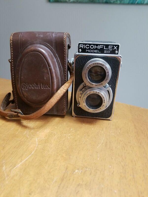 Rioch Ricohflex Model IIIb 6x6 120 TLR Medium Format Camera w/ Case