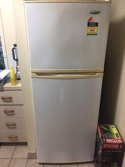 Westinghouse Frost free 392L fridge