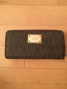 Wallet - Michael Kors - Great condition