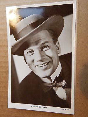 Picturegoer Film Star postcard W90 Joseph Cotten unposted  .