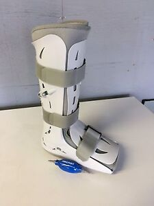 Air cast boot size large $100
