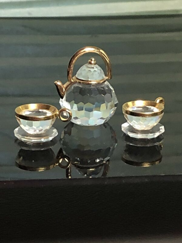 Swarovski Crystal Memories Teapot And Teacups With Saucers 174009 Gold Trim
