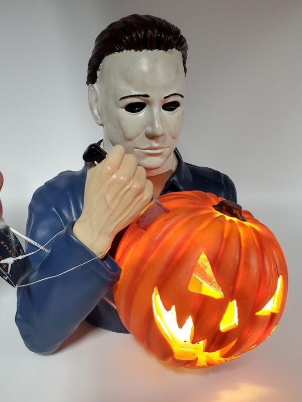 NEW Michael Myers Light Up Ceramic Statue Spirit Halloween Exclusive In Box