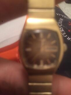 12 carot gold watch ladies