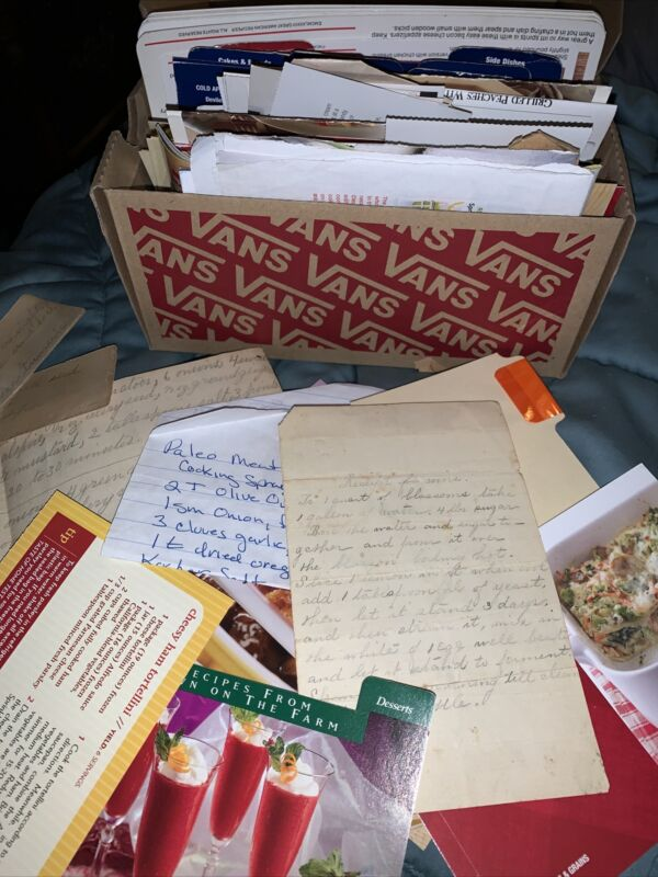 Large Lot Of Handwritten And Clipped Typed VTG Cooking Recipe Cards