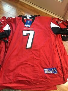 Atlanta Falcons Vick Jersey Reebok On Field  Red Size XL Nice! Sewn On $100