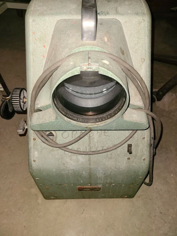 VINTAGE BESELER OPAQUE OBJECT PROJECTOR  w/ NEW LAMP