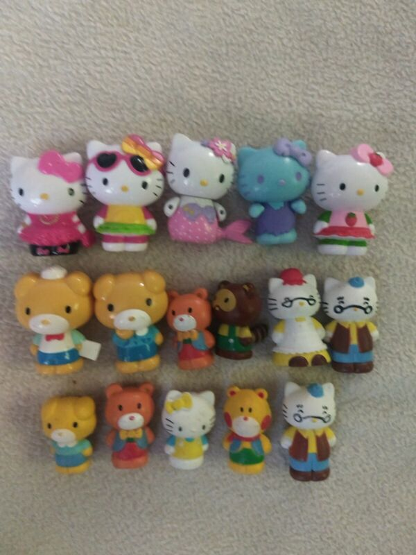 "Hello Kitty Mini Figures Lot Of Hard Plastic 2"" Figures, mermaid, family +++"