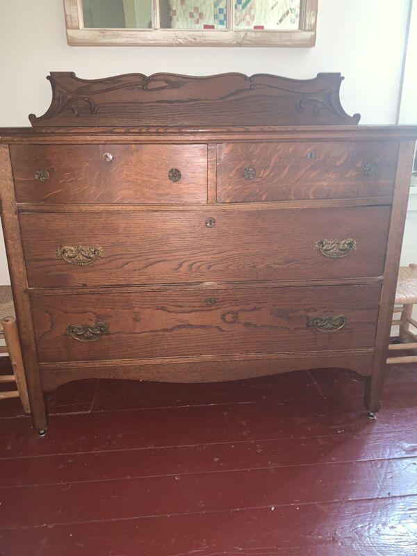 Antique solid oak 4 drawer dresser