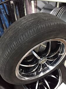 Un kit de Mags 4X108/114.3 et pneus 205/55R16