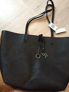 Kenneth Cole Reaction Leather Tote. Tags on