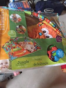 Monkeys jungle play mat