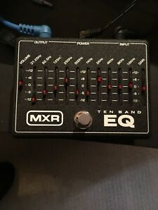 MXR M108 - ten band EQ with power supply