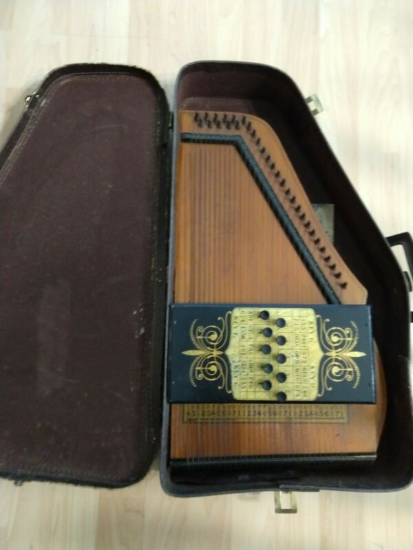 Antique/vintage AutoHarp, with case,