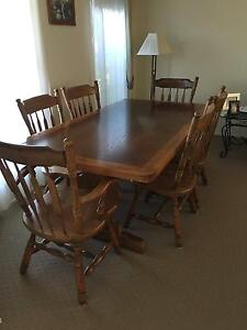 Dinning table country style Camden Camden Area Preview