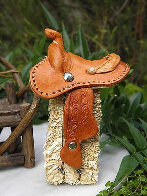 Miniature Dollhouse Fairy Garden Farm Accessories   Leather Western Saddle   New