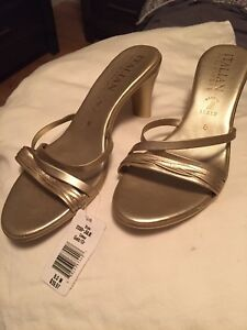 Italian  gold colour size 8 new shoes