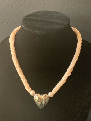 Vintage multi strand twisted light pink faux pearl necklace with puffy heart