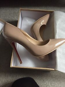 So Kate style Louboutin nude heels