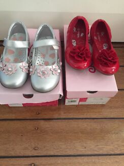 Wanted: Crayon girls shoes   28, 9 Pre school size