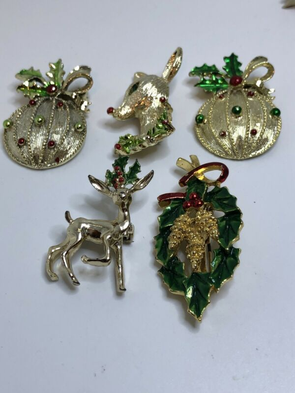 Gerry's Christmas Pins Lot