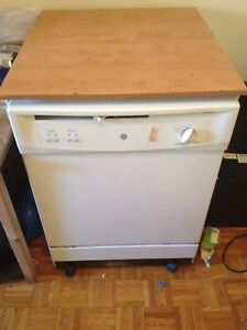 Dishwasher lave vaisselle for 120$ please see my other Ads