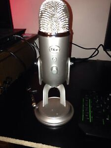 Good condition blue yeti with custom tighter bolts
