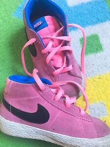 Chaussures Nike Roses T7