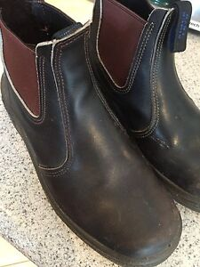 Blundstone brown boots 61/2