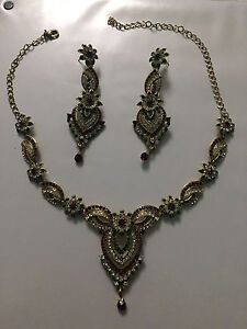 Indian jewelry - jewelry set - necklace and earrings BRAND NEW