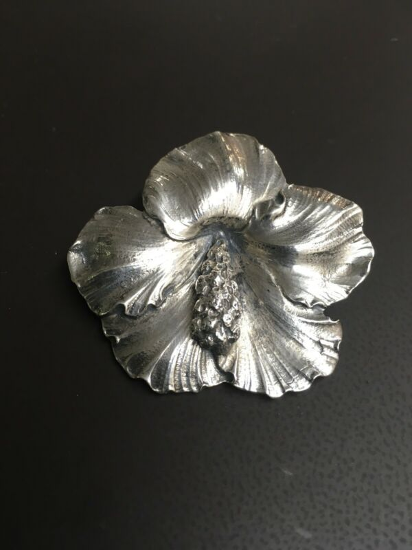 Gump design by G. Cini Sterling Silver Hibiscus Pin
