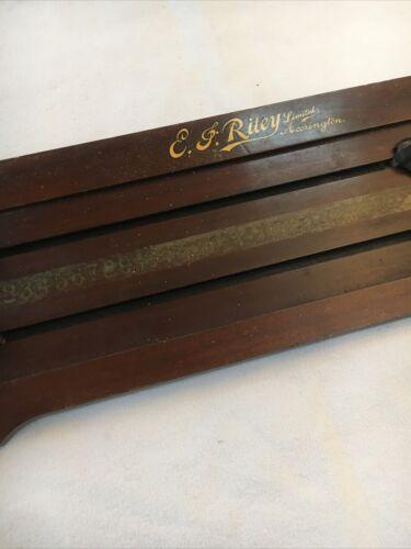 Vintage EJ Riley Wooden Snooker Scoreboard