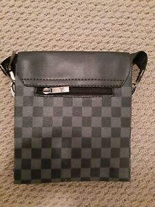 Gucci and Loui vuitton Bags