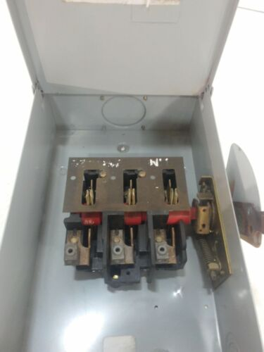 GE Disconnect Amp100 240 V.AC 3 Phase 3 Pole 3 Wire Type Un-fused Max.HP 30