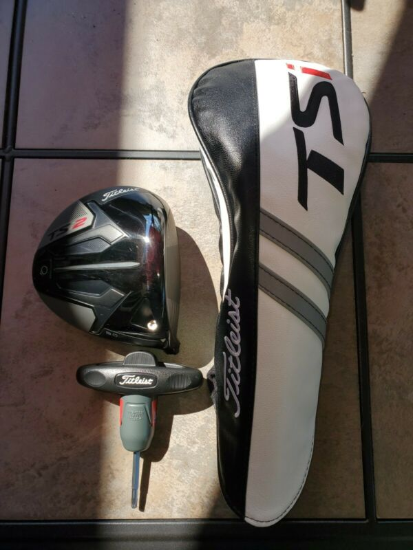 TITLEIST TSI2 9 DEGREE DRIVER. HEAD ONLY PLUS HEADCOVER AND TOOL. EXCELLENT...