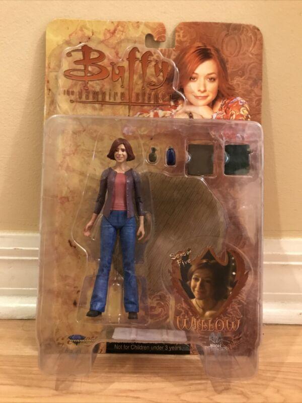 Buffy the Vampire Slayer Season 5 Willow Action Figure (Diamond Select Toys)
