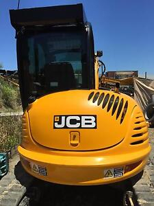 $250/day 5.5T excavator hire Gaven Gold Coast City Preview