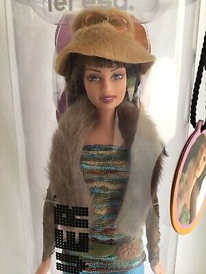 """NEW 2004 Barbie Fashion Fever """"Teresa"""" Doll & Outfit 60's Theme #H0644 Right On!"""