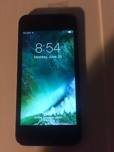 Apple IPhone 5 16 Gb can be used with Bell or Virgin Networks