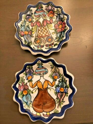 """LOT of 2 GREEK SKYROS Hand Painted Scalloped Edge 5.5"""" Decorative Hanging Plates"""